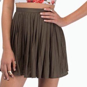 Tobi Chilton Pleated Olive Green Skirt